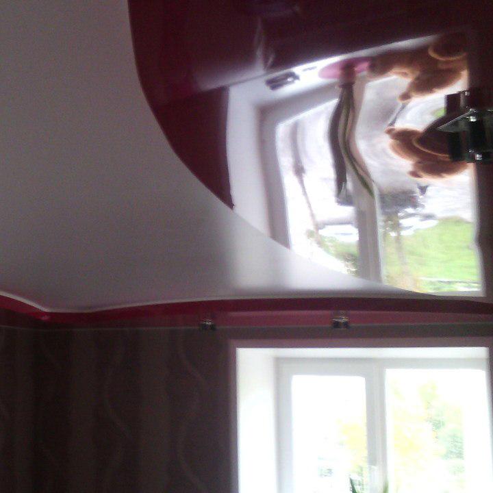 Двухуровневый потолок в спальне